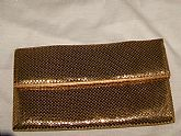 1940 ERA GOLD MESH CLUTCH WITH PEACH SATIN LINING IN EXCELLENT CONDITION