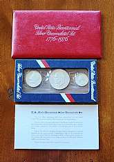 1776-1976 Bicentennial 3 silver coin set in original envelope, comes with cardboard display mount.You will receive this exact set.  1776-1976 3-Piece US Silver Mint Set The 1776-1976 3-Piece US Silver Mint Set was issued by the United States Mint as part