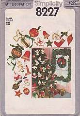Simplicity 8227 Sewing Pattern Vintage 1977 Crafts Christmas Wreath Holly and Ornaments Decorations. Bells Small Stockings Stars Angels Candy Canes.This pattern factory folded and uncut. Packaging does have some wear