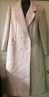 "Alorna Full length houndstooth wool coatNeutral color Large collarTwo front deep pockets Fully lined Made in the USASize largeMeasures lying flat Chest 22""Sleeves 23 1/2""Full length shoulder to hem 47""Great vintage condition no d"