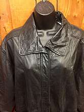 Classic Late 80's Vintage Leather Jacket for Women.Very Chic Minimalist Streetwear Style Fashion. Zipper and waist button closureTwo large slouch front pocketsWrist button closureFully linedTagged size smallMeasures lying flatChest pit to pit 23&q