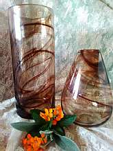 set of two vases