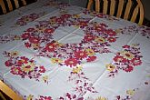 rare and beautiful and queen ann by Nashua vintage tablecloth in excellent condition