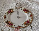 Old Country Roses Server Cake Server with Handle Appetizers Vintage Royal Doulton 1962