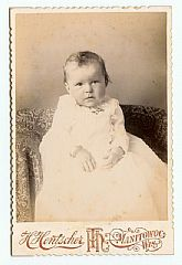 1900 era Cabinet Photo, Baby in Lace Dress