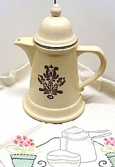 1970s Pfaltzgraff Village 9.75-inch Tea Pot with Lid,