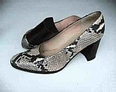 Adrienne Vittadini All Leather Phyton Snakeskin Classic Pumps Size 8.5