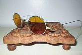 "Up for sale is a pair of Ultra""RARE VTG Civil War Gold Tone Amber Lens Shooter Sunglasses""!Details:- Country of Manufacturer: U.S.A. - Year / Era: Pre-1901 (Victorian & Older)- Frame Color: Gold (REAL?)- Lens Color: Amber Glass Lens"
