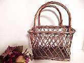 Large capacity, widely woven wicker tote basket, vintage 1970s market basket, home decor