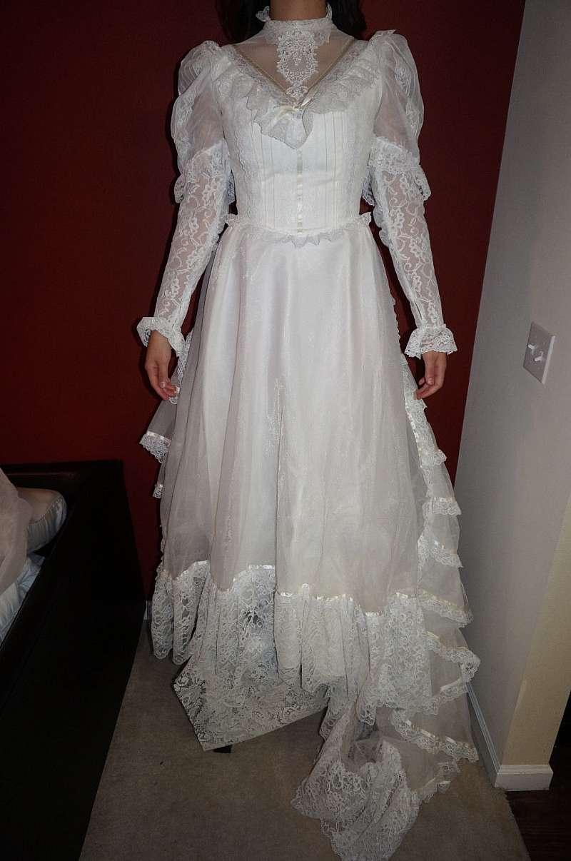 Sale vintage 70s bergdorf goodman victorian wedding gown for Vintage victorian wedding dresses