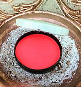 Pristine vintage blusher in compact (1)