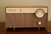 Zenith Table-Top Tube Radio Model F508L - Beige