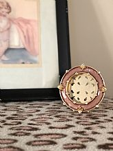 Round pink 2 in. frame with Swarovski Crystal accents